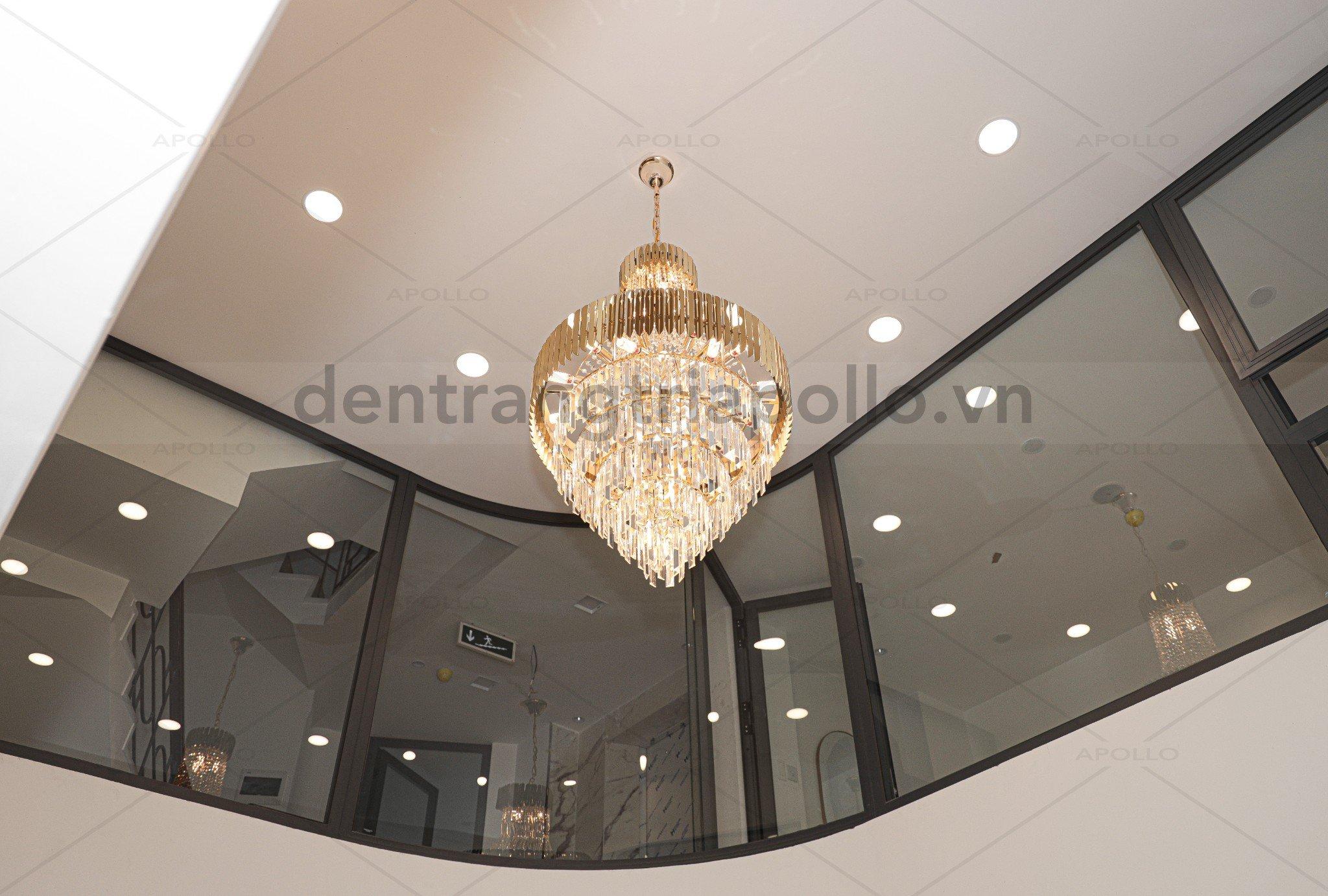 đèn chùm pha lê hiện đại thông tầng