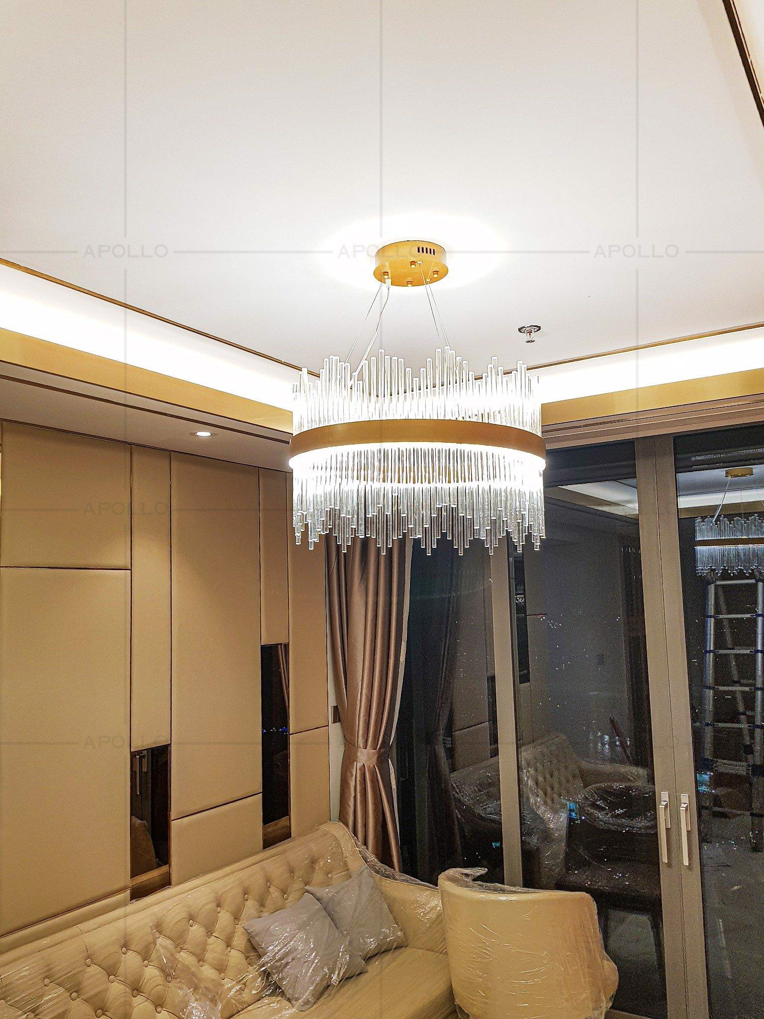 đèn chùm pha lê đũa phòng khách