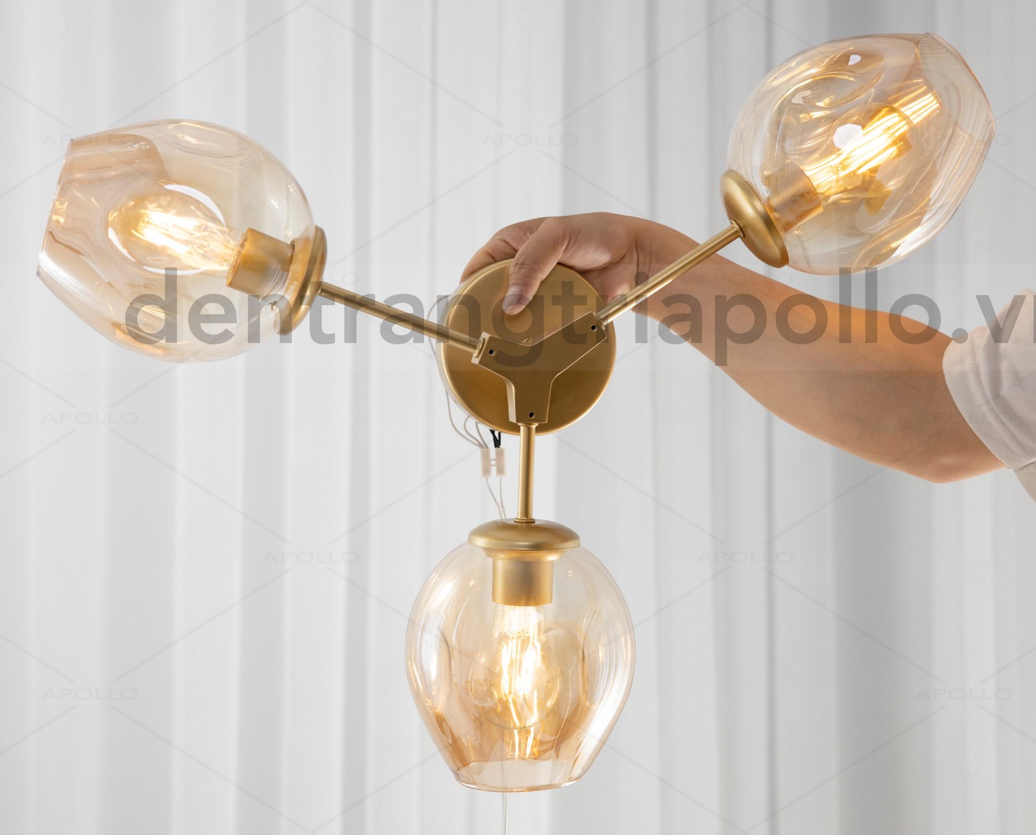 đèn tường lindsey màu vàng