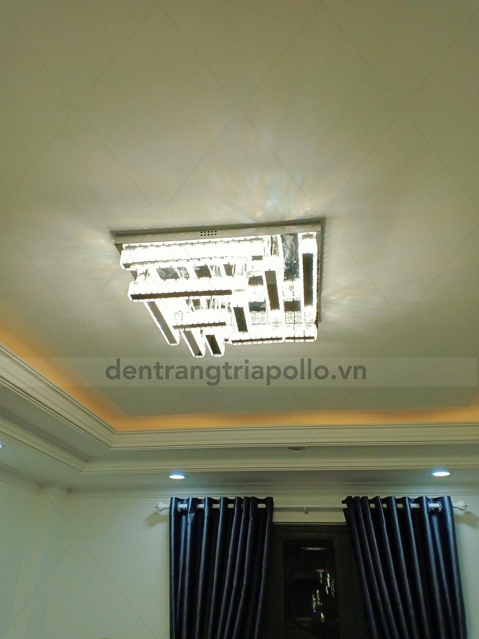 đèn áp trần phe lê căn hộ