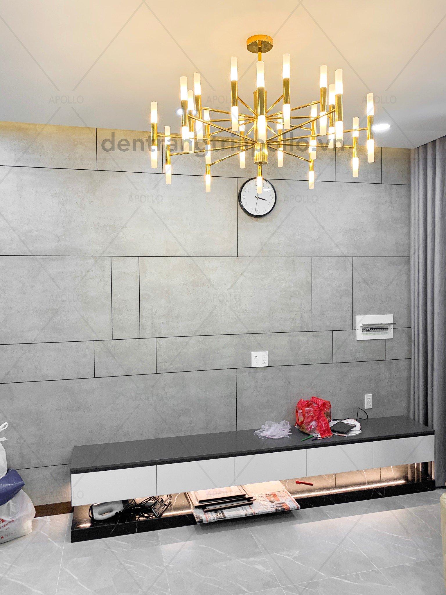 đèn chùm hiện đại phòng khách căn hộ chung cư