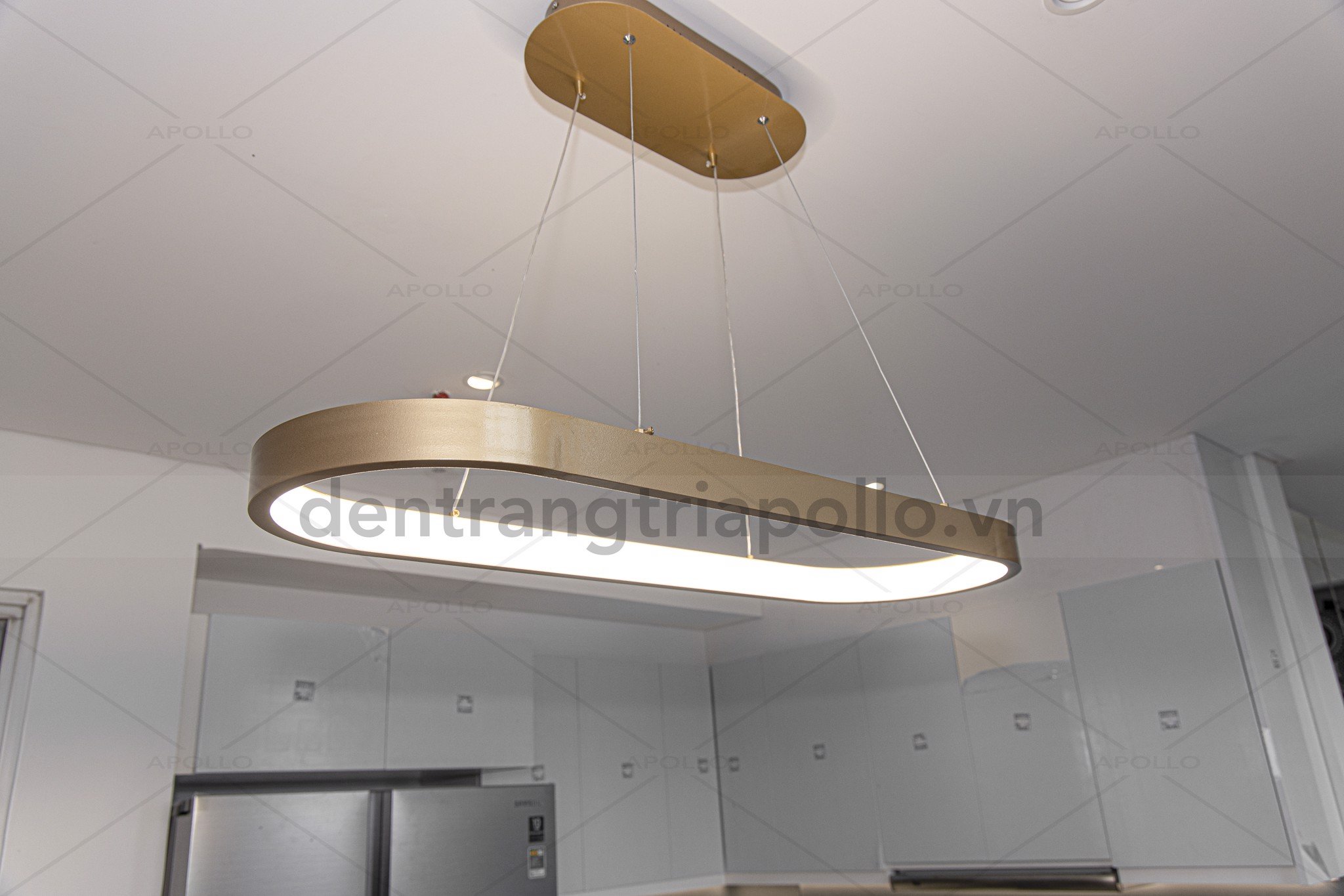 đèn thả ngang hiện đại trang trí bàn ăn