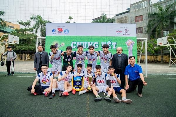 Kịch tính trận chung kết Giải bóng đá sinh viên HPU 2020