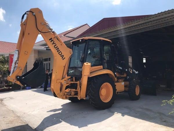 Máy xúc đào H940C được phân phối độc quyền tại công ty XNK Tuyên Quang