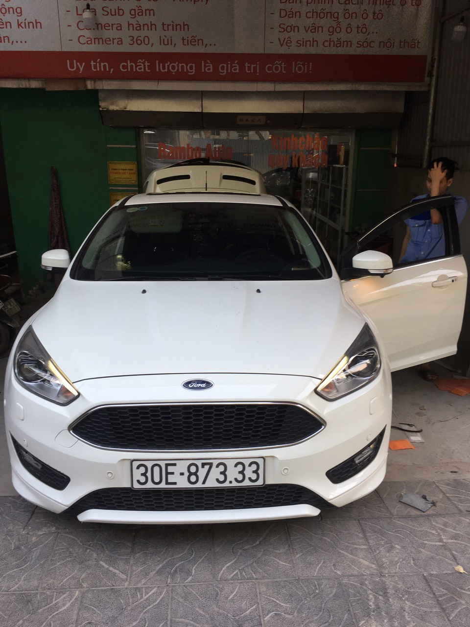 Hướng Dẫn Đá Chân Mở Cốp & Test Cốp Điện Ford Focus Tại Rambo Auto