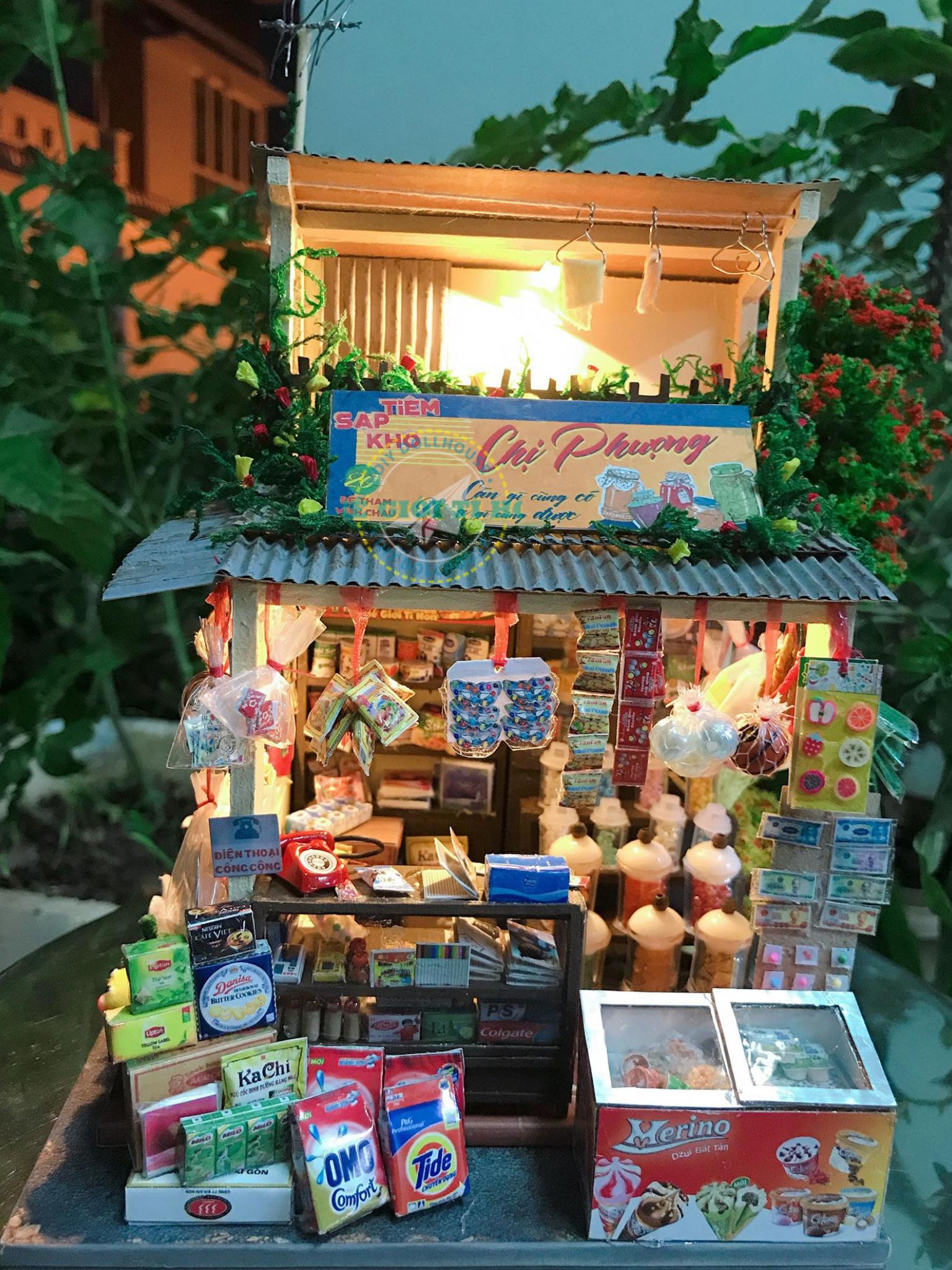 Nhà Gỗ Dãy Phố Sài Gòn Tí Hon DIY Của Khưu Truyền Minh