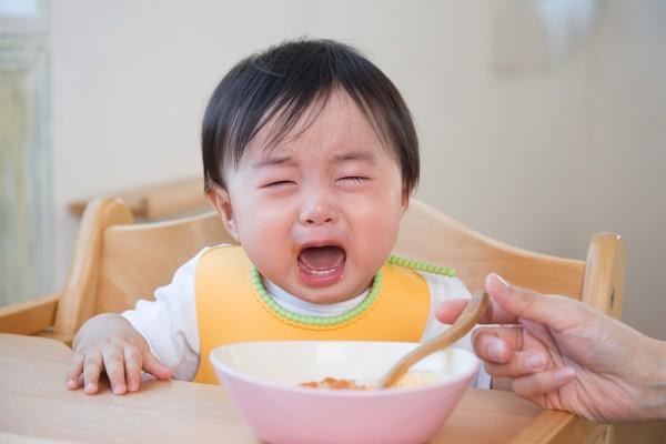Không ép trẻ ăn bằng mọi giá