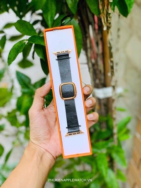 modern buckle apple watch