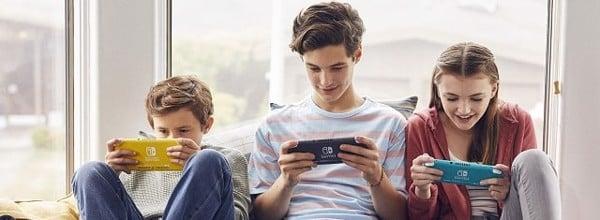 chơi Nintendo Switch Lite 3 màu
