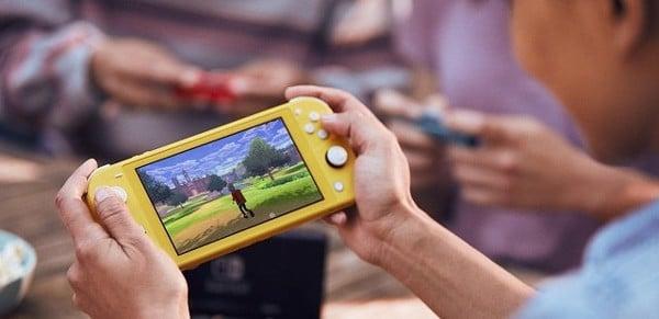 chơi game Pokemon với Nintendo Switch Lite