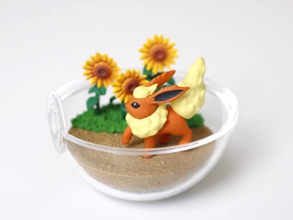 Flareon Pokemon Terrarium Collection 8