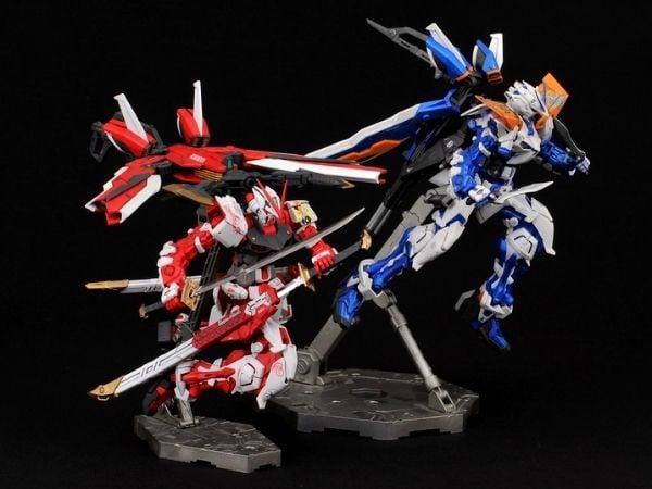 Gundam quốc dân đẹp nhất Astray