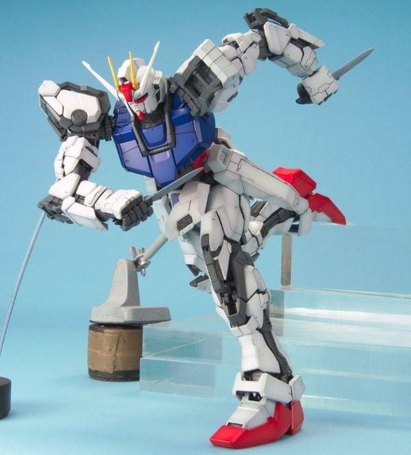hướng dẫn ráp Strike Gundam PG
