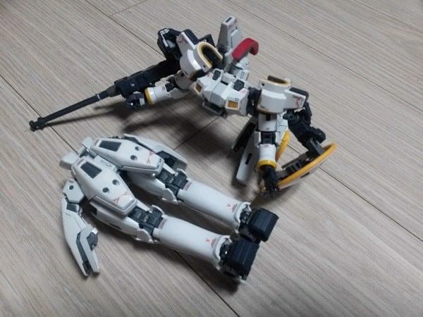 Sửa mô hình Gundam bị gãy bằng keo dán Gundam chuyên dụng