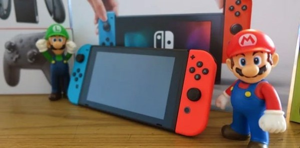 khóa Nintendo Switch lại