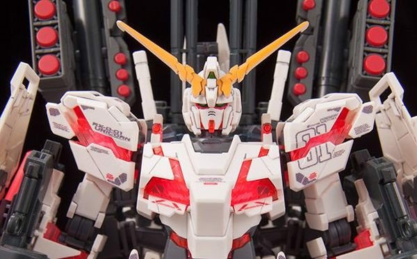 review Full Armor Unicorn Gundam Destroy Mode Red HGUC