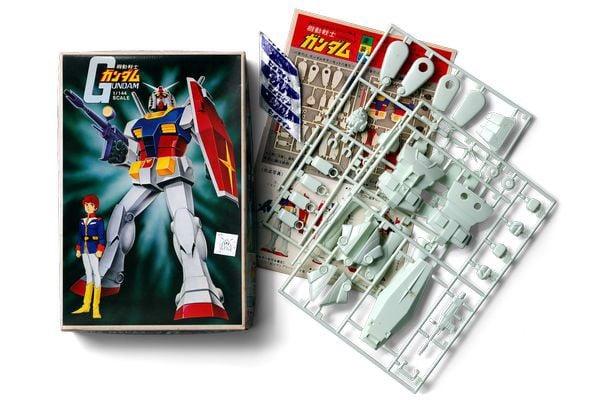 RX-78-2 Gundam 1980 đầu tiên