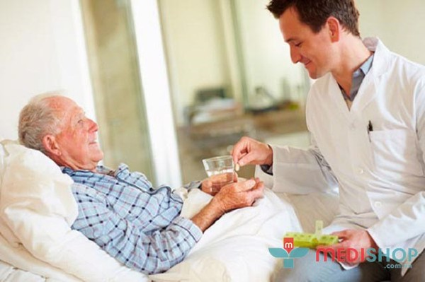 Giường bệnh đa năng giúp việc chăm sóc người thân dễ dàng hơn