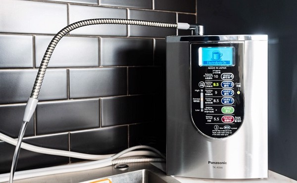 Máy lọc nước là thiết bị giúp lọc sạch một số tạp chất có trong nước