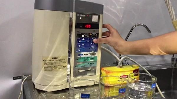 Máy lọc nước Fujiiryoki vs máy Kangen được so sánh trên những tiêu chí nào?