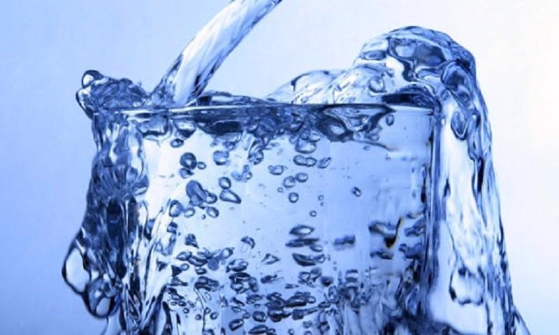 Vì sao cần làm mềm nước cứng trước khi sử dụng?