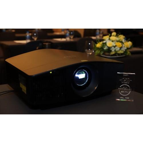 Máy chiếu Sony VPL-VW870ES có khả năng trình chiếu hình ảnh cực chi tiết