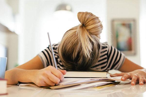Stress cũng là một trong những nguyên nhân gây nám da