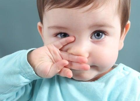 Khi trẻ bị chảy nước mũi bố mẹ cần xử lý như thế nào