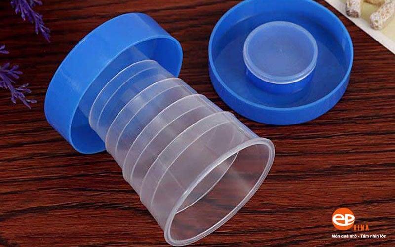 Mẫu cốc nhựa gấp gọn được nhiều khách hàng lựa chọn