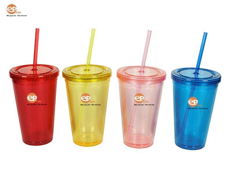 Cốc nhựa cũng có rất nhiều màu sắc rực rỡ cho khách hàng lựa chọn