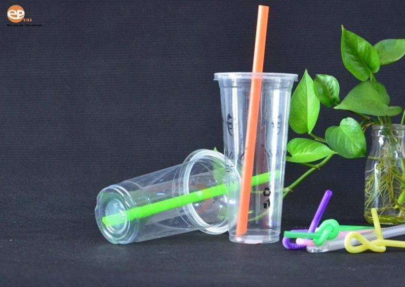 Cốc nhựa Pet là loại cốc nhựa cứng đẹp, trong suốt và chắc chắn