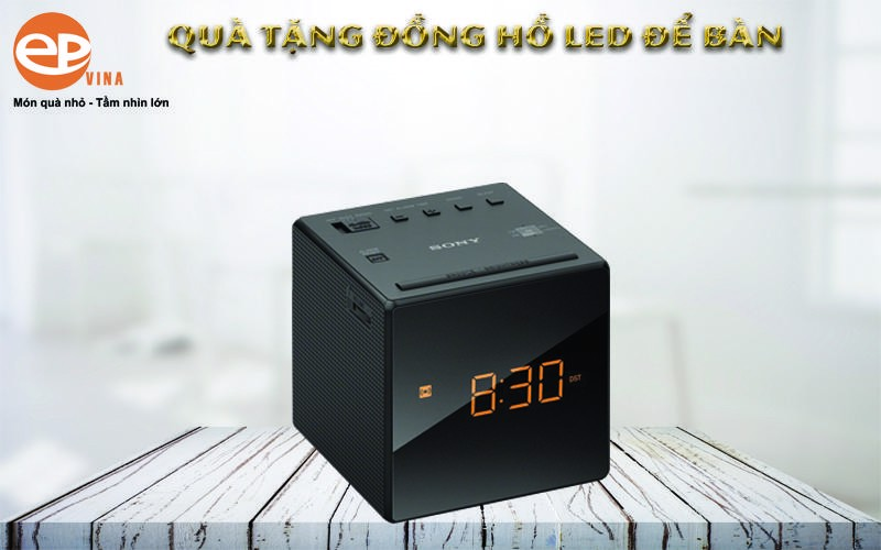 Đồng hồ gỗ led để bàn đa tính năng hữu dụng cho người dùng