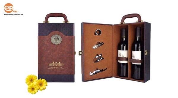 rượu vang hộp da đôi1