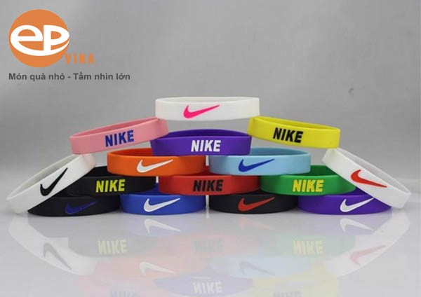 Vòng tay Nike phụ kiện thời trang không thể thiếu