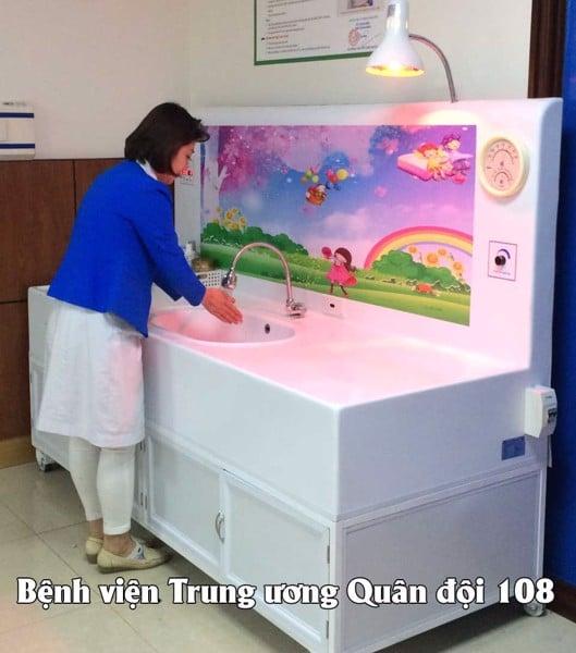 bồn tắm trẻ sơ sinh an toàn 1