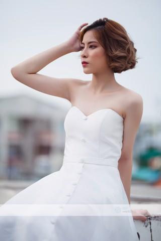 ao-cuoi-minimalist-chup-hinh-pre-wedding