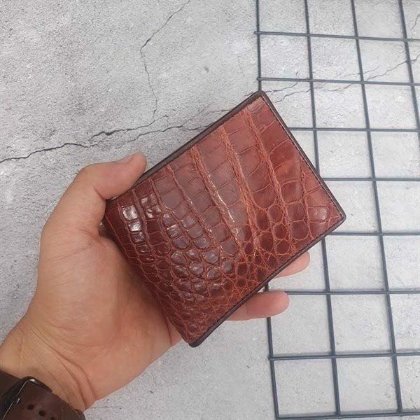 Shop hangdathat luôn bán những chiếc ví da cá sấu chất lượng nhất