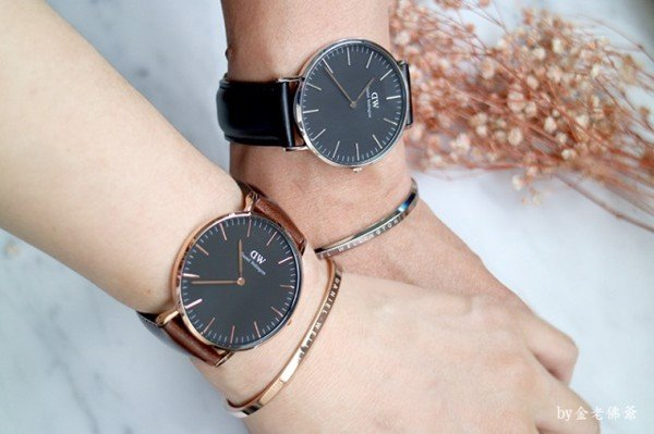 Tặng đồng hồ trong ngày sinh nhật bạn gái