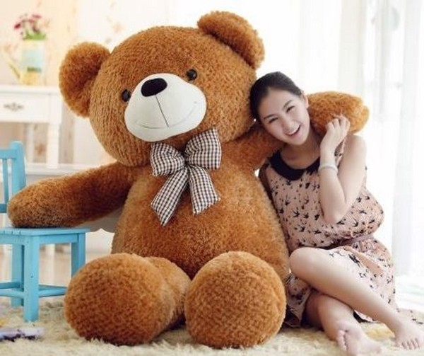Tặng gấu bông trong ngày sinh nhật bạn gái