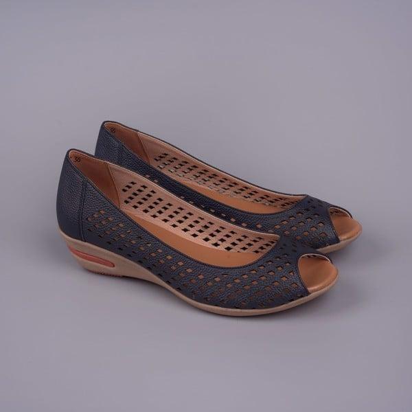 Tặng giày da mềm êm cho phụ nữ trung niên