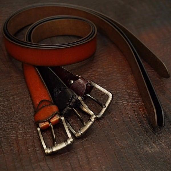 thắt lưng da bò đang được sử dụng rất phổ biến