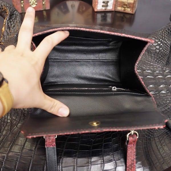 Túi xách da trăn thiết kế ngăn chứa đồ rộng rãi