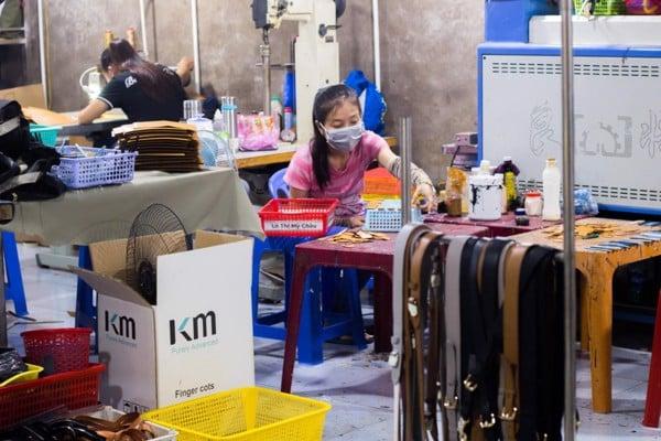 Xưởng sản xuất đồ da giá rẻ 2