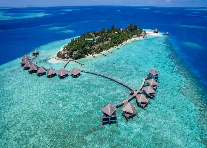 Adaaran Club Rannalhi Resort 4*