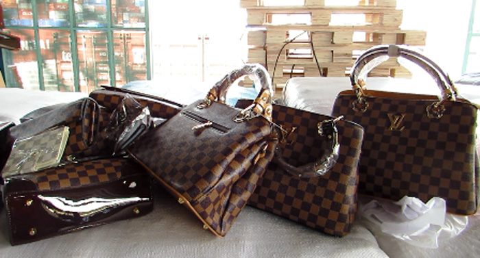 Fake LV, Hermes bags valued at over 30 billion VND arrested