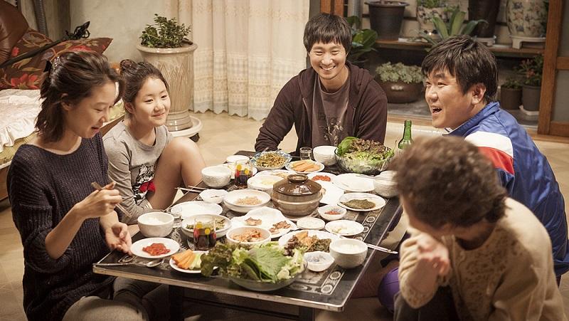 Lắng nghe lời khuyên của người thân, bạn bè cũng có thể sẽ giúp bạn khám phá ra được du học Hàn Quốc nên học ngành gì