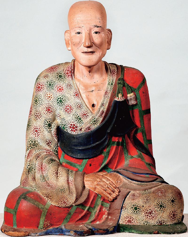 Pho tượng Đại sư Hy Lãng được tạc bằng gỗ, sơn mài vào thế kỷ thứ 10