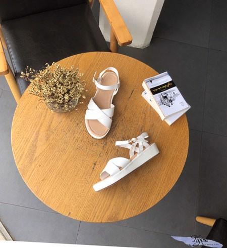 Xưởng chuyên sỉ giày xăng đan giá rẻ - Tigish