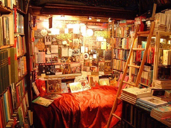 Goc-ngoi-doc-sach-Shakespeare and company