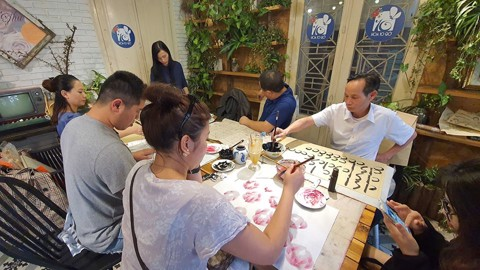 Lớp học vẽ Hà Linh